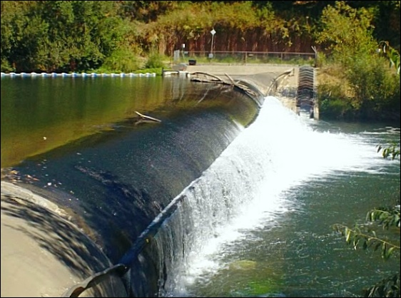 SCWA inflatable dam on Russian River